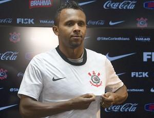 Ponte contrata Wellington Bruno, do Fla, e atacante encostado no Corinthians