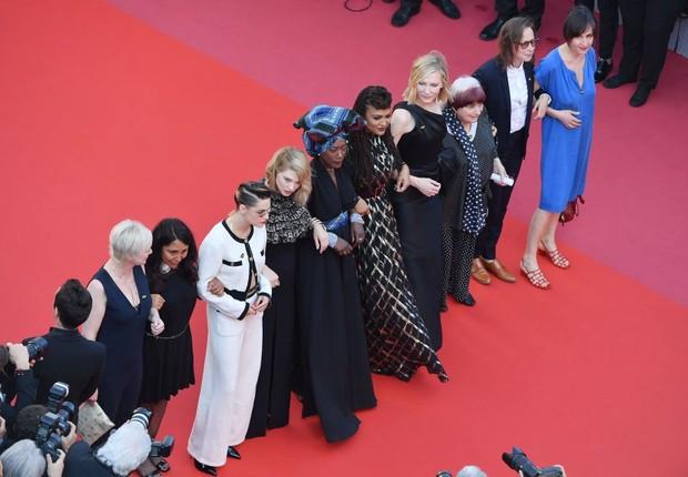 Atrizes protestam em Cannes por igualdade salarial (Foto: Emma McIntyre/Getty Images)