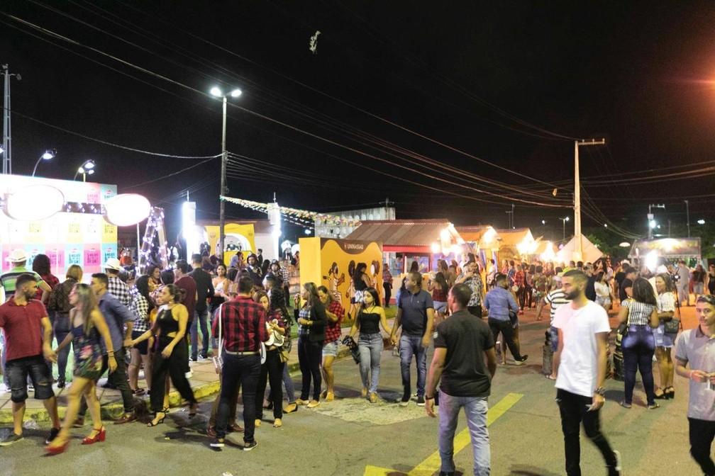 Cidade cenográfica foi uma das atrações do São João da Capitá, em Olinda — Foto: Charles Johnson/Divulgação