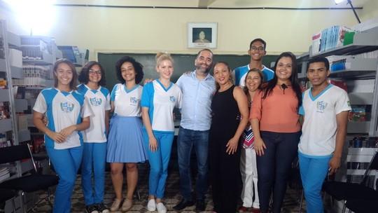 Escola cria o projeto 'Dado da Paz' para melhorar o relacionamento entre alunos e professores