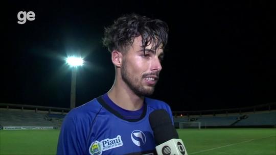 """Após falhas, Lucas surpreende em resposta: """"Estamos sem treinador de goleiros"""""""
