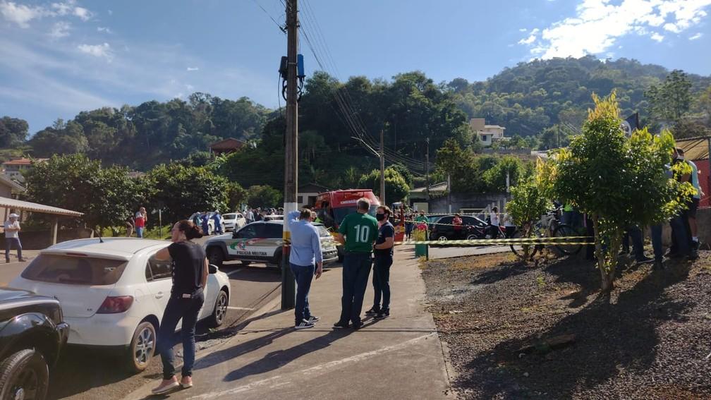 Uma professora também foi ferida, segundo a Polícia Civil — Foto: Simone Fernandes/Arquivo Pessoal