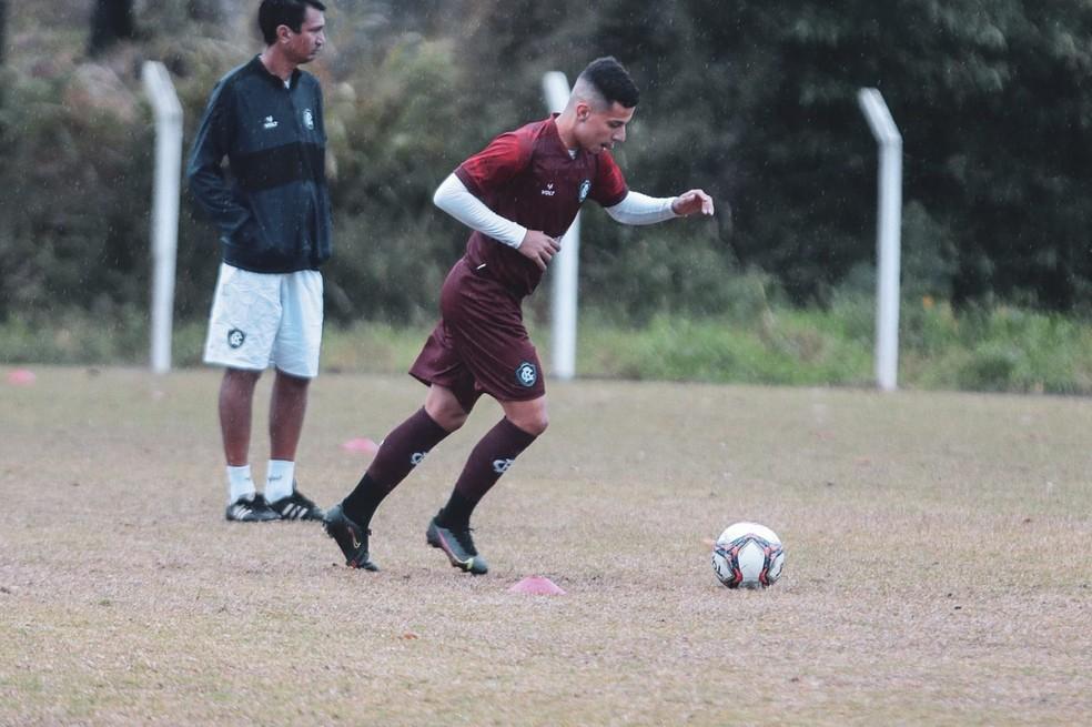 Matheus Oliveira volta a trabalhar com bola e vira opção no Remo — Foto: Samara Miranda/Ascom Remo