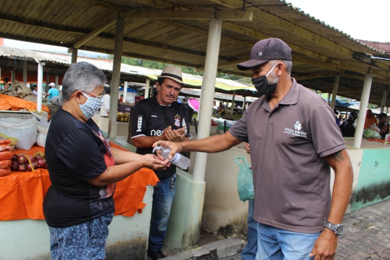 Feirantes de Cubatão devem adotar novas normas para conter o avanço do novo coronavírus