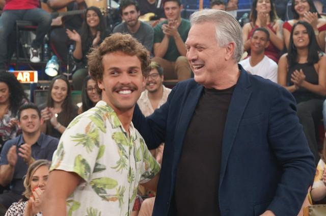 Pedro Bial e o filho, o músico Theo (Foto: Divulgação/Globo)