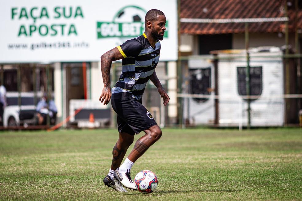 Dedé treina no CT do Volta Redonda — Foto: André Moreira/Volta Redonda F.C.