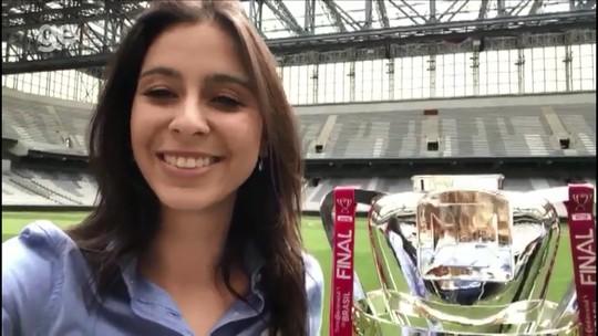 Athletico x Inter: taça da Copa do Brasil está na Arena da Baixada para o primeiro jogo da final
