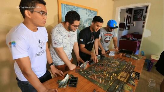 Jogos de tabuleiro modernos fazem sucesso com o público jovem e se perpetuam em tradições familiares