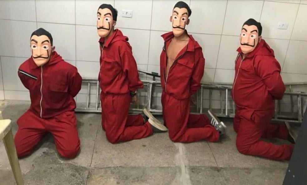 Quatro homens foram presos com fantasias da série 'La Casa de Papel' ao tentarem invadir o Cotel, no Grande Recife (Foto: Reprodução/WhatsApp)