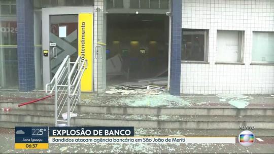 Criminosos explodem caixa eletrônico em São João de Meriti, na Baixada Fluminense