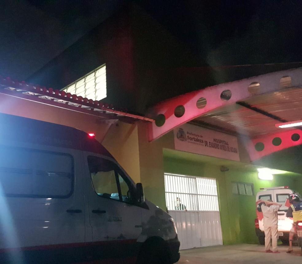 Criança foi levada para o hospital por três pessoas que deixaram o local rapidamente assim que souberam da morte da vítima — Foto: Rafaela Duarte/SVM