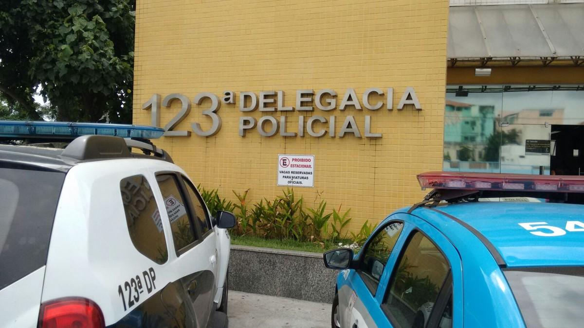Bebê de 4 meses é encontrado morto após ser esquecido dentro de carro em Macaé, no RJ – G1