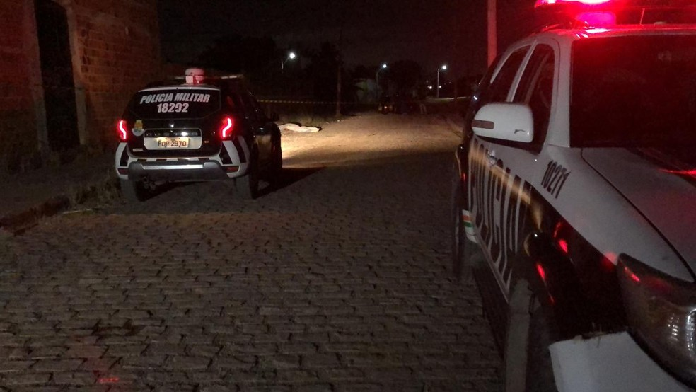 O crime aconteceu na noite deste domingo (28) — Foto: Paulo Sadat