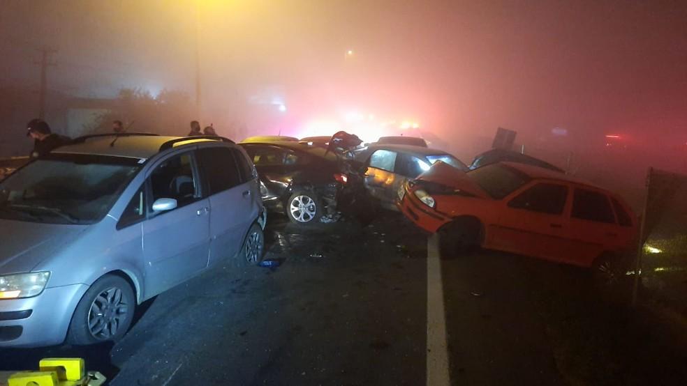 Oito pessoas morreram em batida na BR-277, em São José dos Pinhais — Foto: Divulgação/PRF