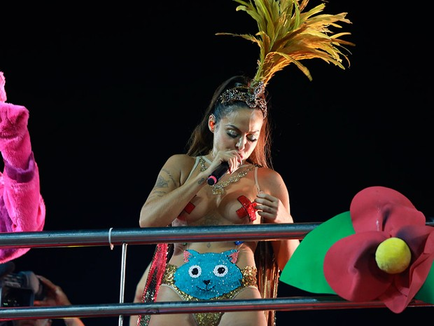 Alinne Rosa desfila na Barra (Foto: Mauro Zaniboni /Ag Haack)