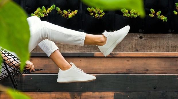 A Allbirds preza pela simplicidade nos calçados e no dia a dia do negócio (Foto: Divulgação)