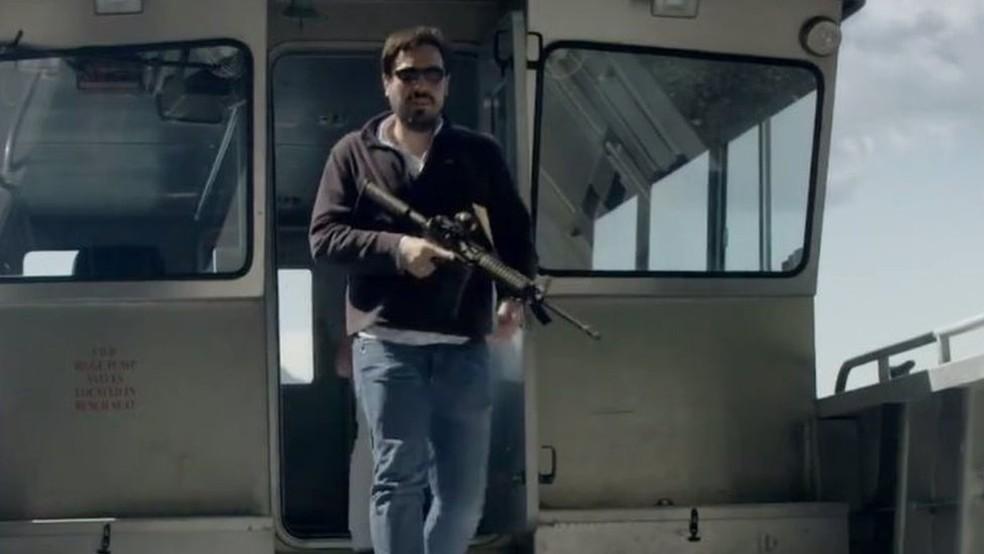 Martínez diz que armas serão necessárias para protegê-lo de invasores (Foto: BBC)