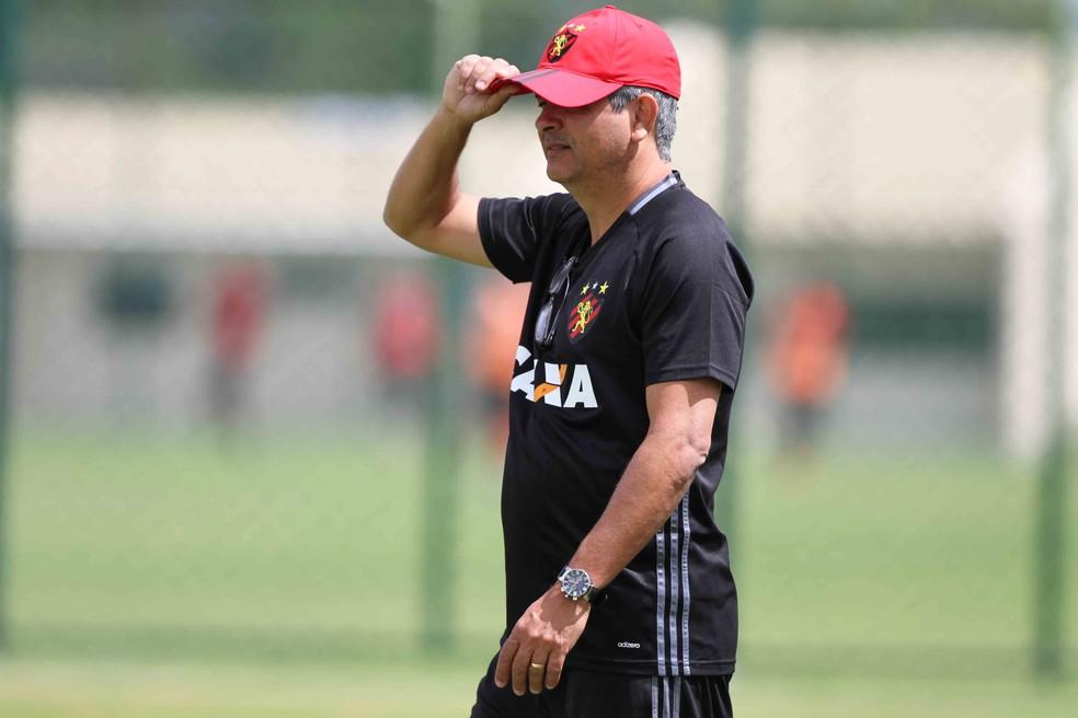 Ney Franco teve passagem de apenas 17 dias pelo Sport no ano passado (Foto: Marlon Costa / Pernambuco Press)
