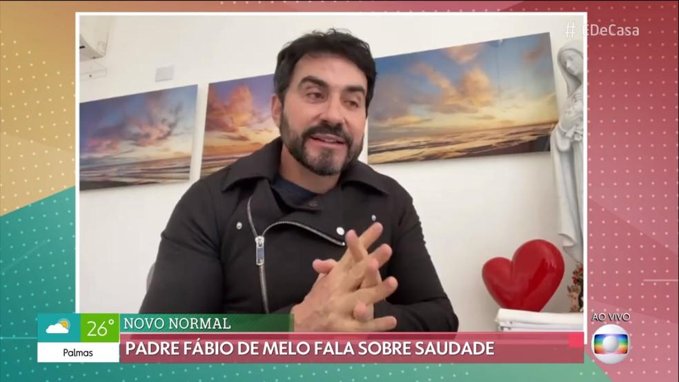 Padre Fábio de Melo faz reflexão sobre saudade no 'É de Casa' — Foto: TV Globo