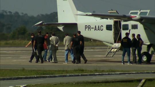Delúbio Soares e João Cláudio Genu chegam ao Paraná para cumprir pena no Complexo Médico-Penal de Pinhais