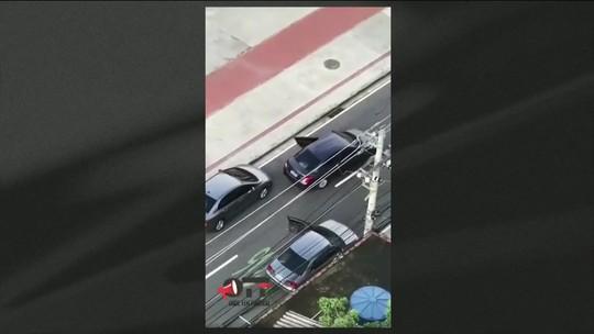 Vídeo mostra homens armados roubando carro em frente ao Engenhão