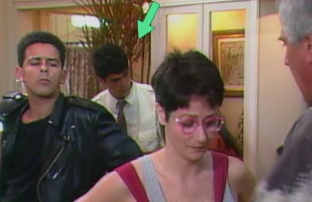 A novela marcou também a primeira aparição de Eduardo Moscovis em frente às câmeras. Ele fez uma figuração na atração (Foto: TV Globo)