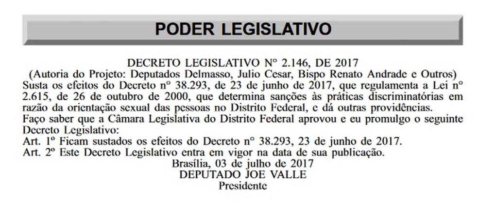 Trecho do Diário Oficial que traz decreto legislativo anulando aplicação da lei anti-homofobia (Foto: Reprodução)