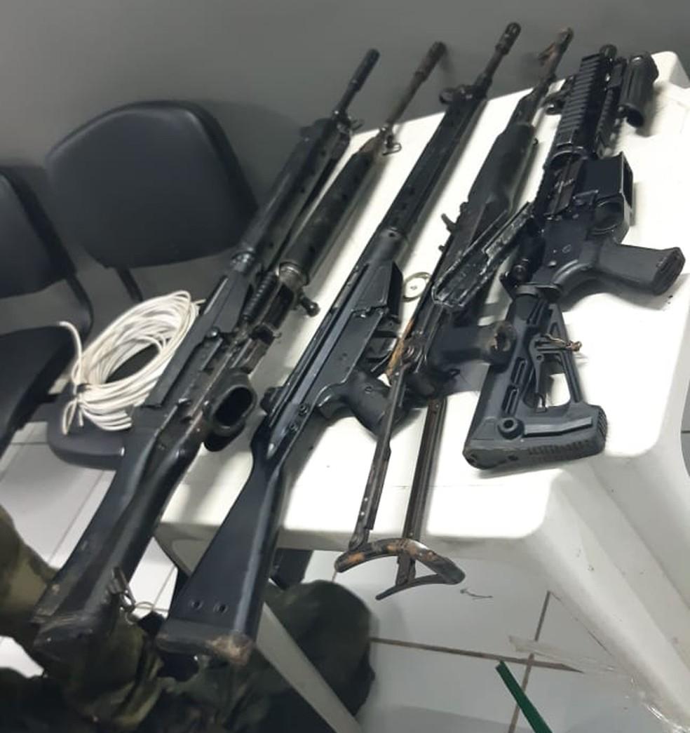 Fuzis foram apreendidos durante a operação que desarticulou quadrilha no Maranhão. — Foto: Divulgação/Polícia Civil