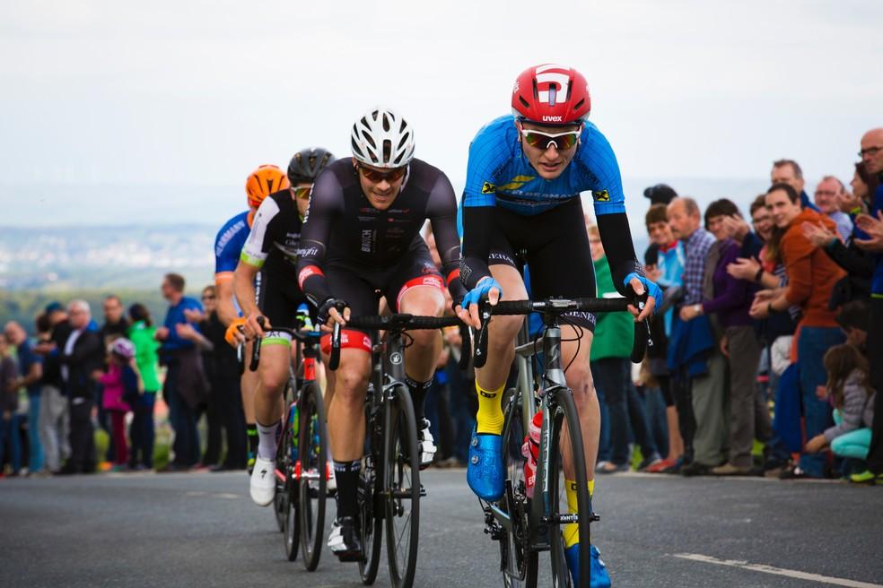 Com o apoio do bike fit, mesmo ciclistas experientes podem melhor muito o seu pedal — Foto: Unsplash