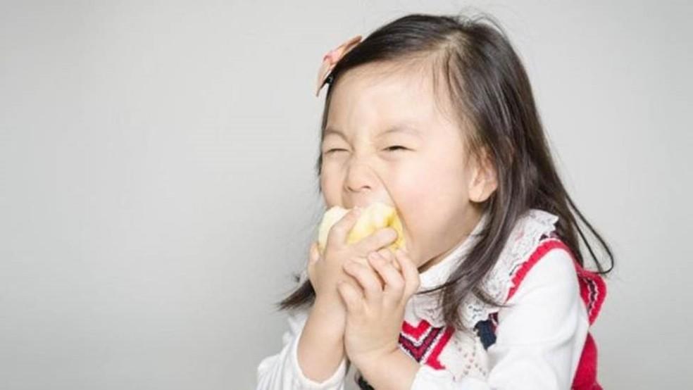 Uma dieta saudável, levando a um microbioma saudável, provavelmente significa que você deseja comida saudável — Foto: Getty Images