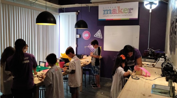 Foco da Little Maker não está nos produtos feitos pelos alunos, mas na jornada que levou à sua criação (Foto: Divulgação)