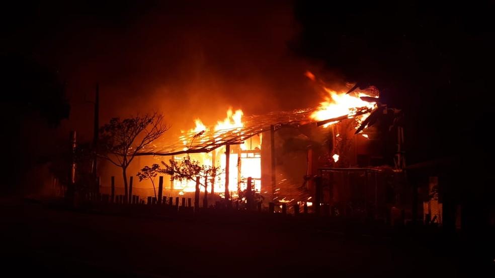 Estação ambiental incendiada no município de Icapuí — Foto: Arquivo pessoal