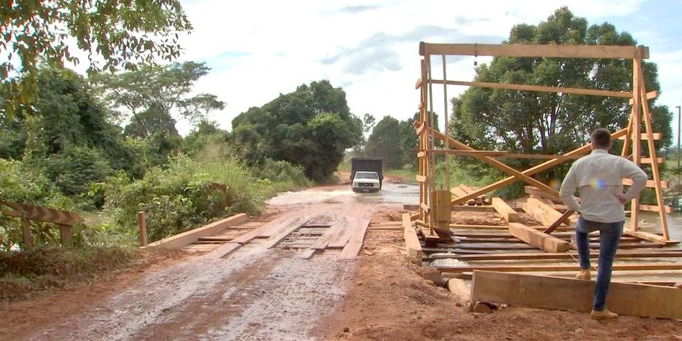 Atoleiros se forma nas estradas de terra durante chuva — Foto: TVCA/Reprodução