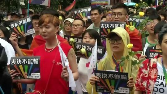 Decisão inédita permite casamento entre pessoas do mesmo sexo em Taiwan