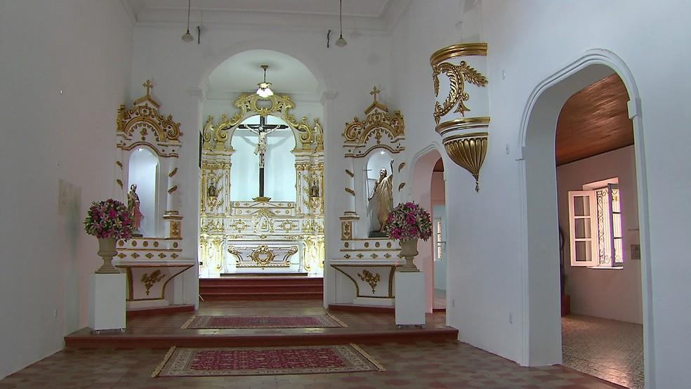 Igreja do Bomfim, em Olinda, foi interditada em 2012 pela Defesa Civil — Foto: Reprodução/TV Globo