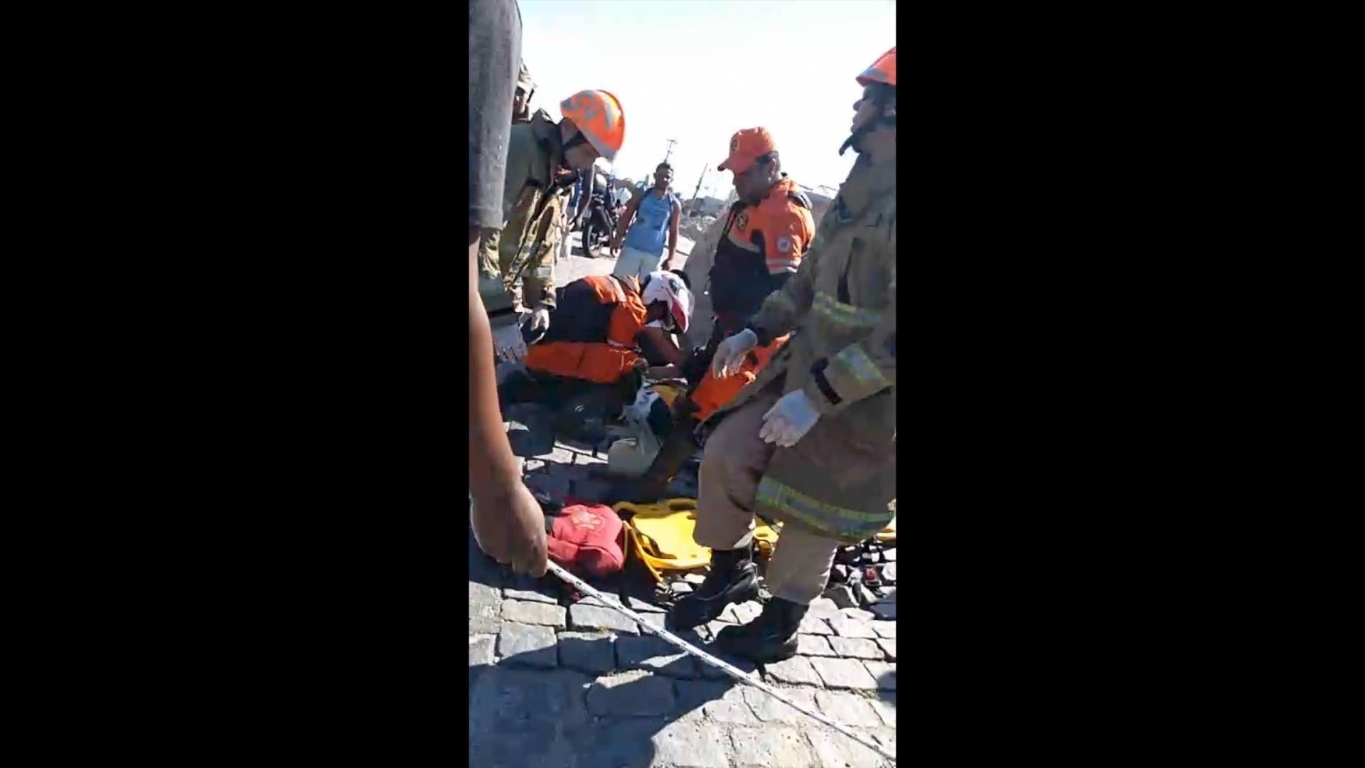 Motociclista tem perna decepada em colisão com carro em Cabo Frio, no RJ - Noticias