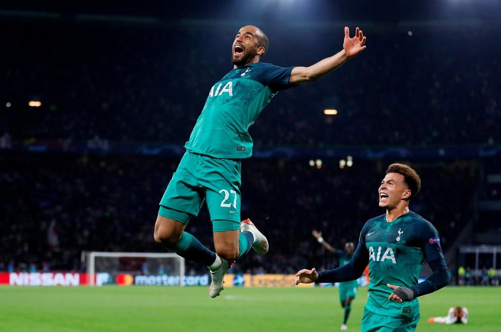 Lucas comemora seu 3º gol contra o Ajax e a classificação do Tottenham à final da Liga dos Campeões — Foto: Matthew Childs/Images via Reuters