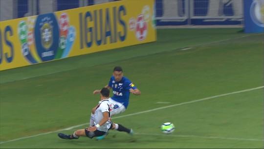 Comentaristas analisam lances polêmicos de Cruzeiro x Vasco