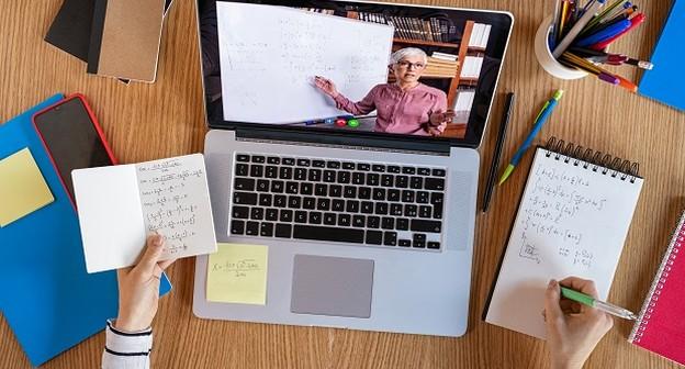 Coronavírus: Com aulas online, escolas de idiomas driblam evasão e conquistam novos alunos
