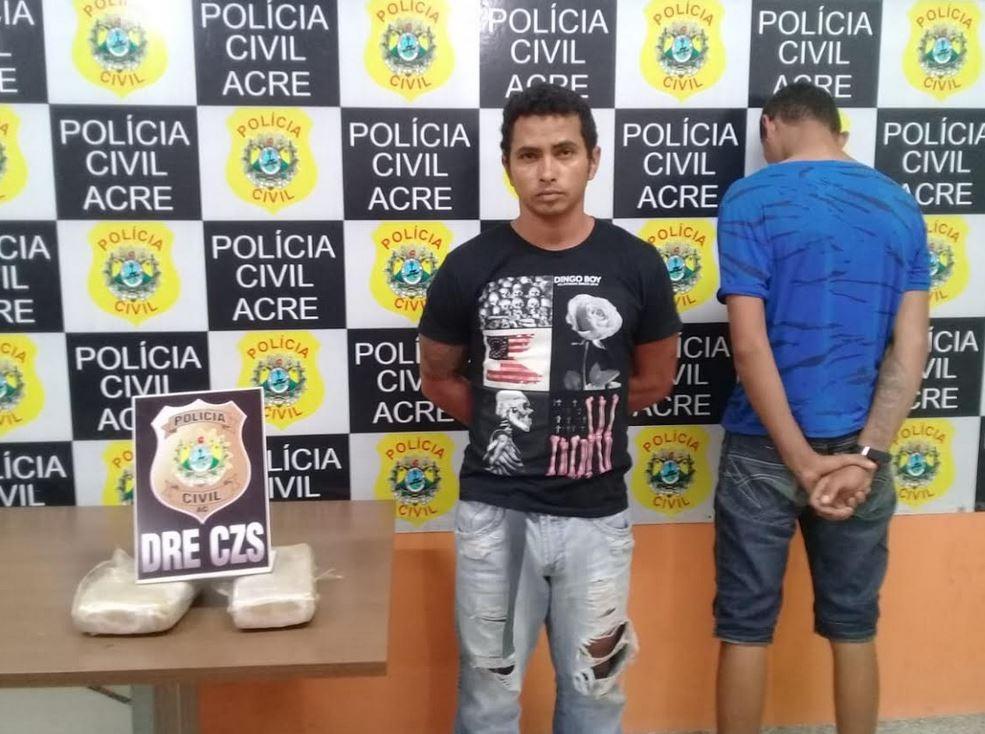 Homem e um menor de 16 anos foram pegos transportando 2 quilos de maconha em Cruzeiro do Sul