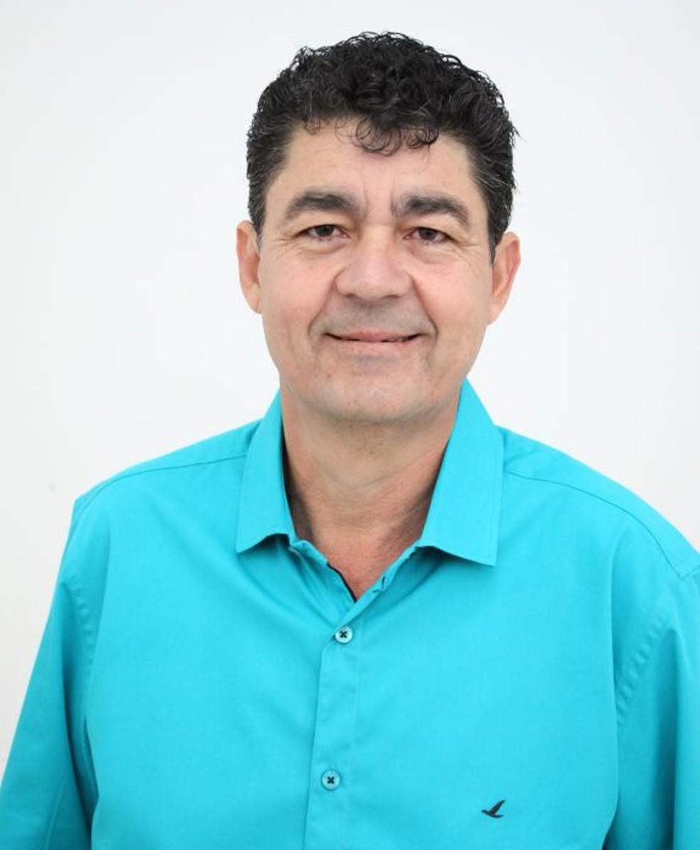 O vice-prefeito de Ubiratã, no oeste do Paraná, Ionildo Pereira, conhecido como Nil Pereira (MDB), de 51 anos, morreu no hospital (Foto: Prefeitura de Ubiratã/Reprodução)