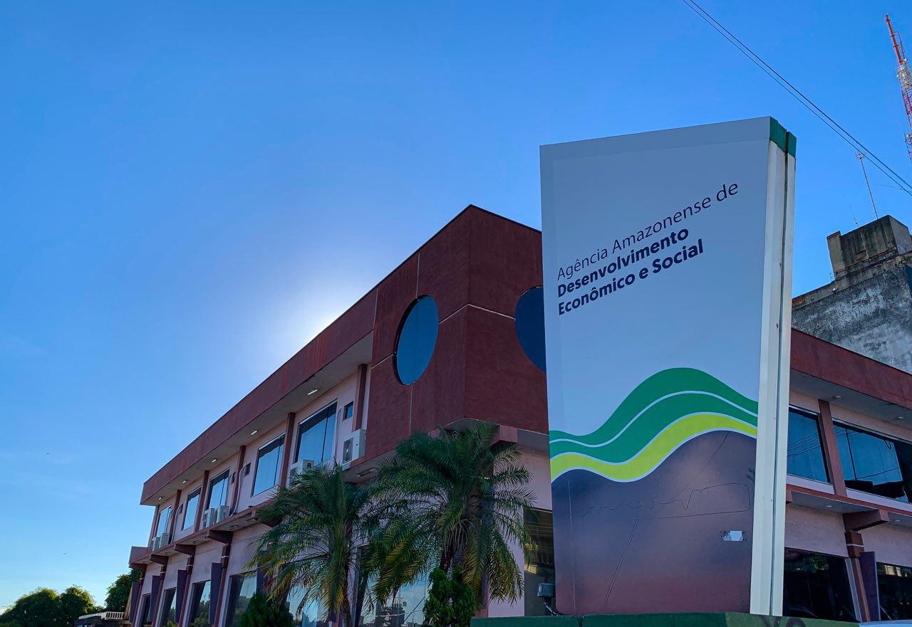 Candidatos inscritos em processo seletivo da Aades são convocados para entrega de documentação em Manaus - Notícias - Plantão Diário