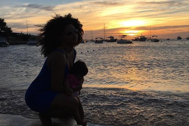 Juliana Alves com Yolanda (Foto: Reprodução/Instagram)