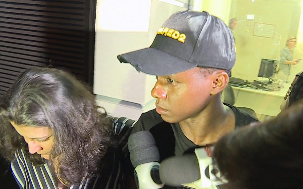 Juan Cazares, jogador do Atlético-MG, após depoimento sobre denúncia de agressão contra ele — Foto: Reprodução/TV Globo