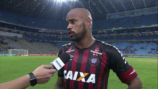"""Thiago Heleno elogia partida contra o Grêmio: """"Esse é o futebol que todos querem ver"""""""