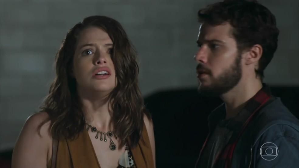 Camila (Agatha Moreira) não quer relembrar a explosão nem sua antiga vida - 'Haja Coração' — Foto: Globo