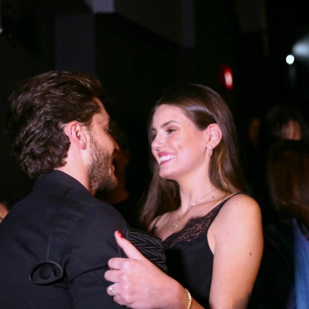 Camila Queiroz e Klebber Toledo (Foto: Anderson Borde/AgNews)