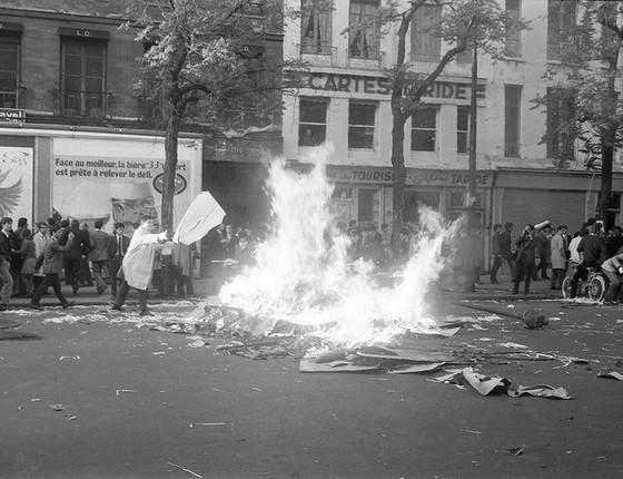 Manifestação no Boulevard Saint-Germain, em Paris (Foto: Philippe Gras)