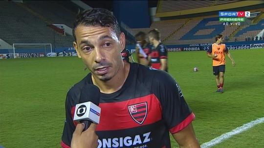 Roberto, do Oeste, comenta vitória e fala em caminhar jogo a jogo