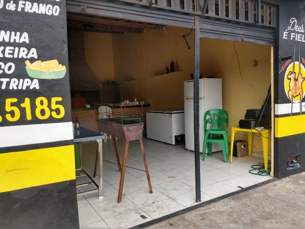 Criminosos anunciaram assalto e balearam sanfoneiro em Fortaleza — Foto: Almir Gadelha/SVM